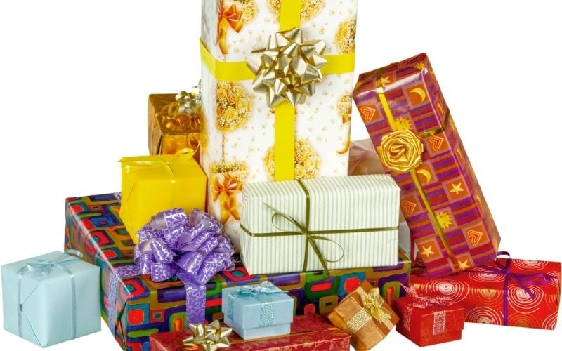 Picture of presents in a pile.