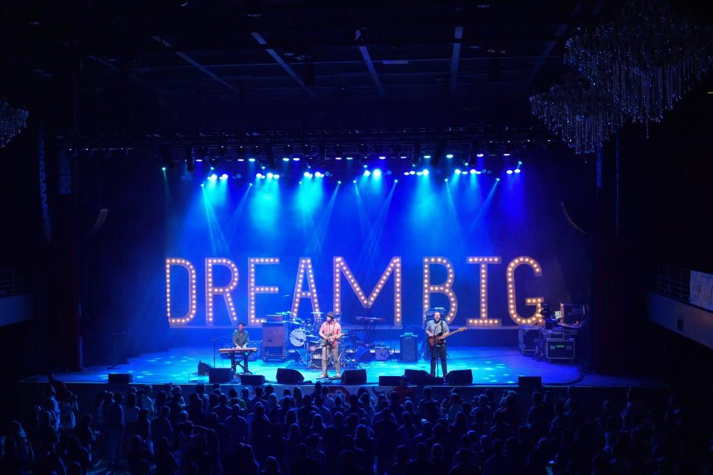 Alex Guthrie opens for Smash Mouth at the Dream Big Atlanta event