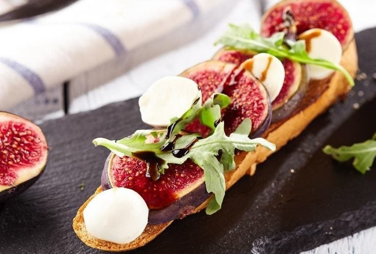 Fig and goat cheese salad,