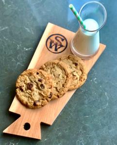 Loews Atlanta Hotel Milk & Cookies
